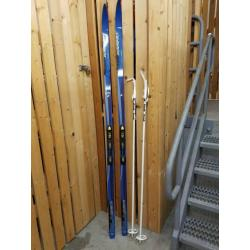 Cross Country skis - Karhu 52 Classic and Alpina Boots