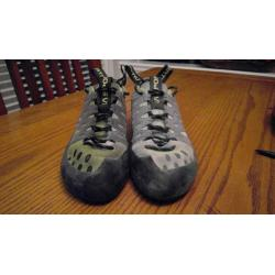 La Sportiva Men's TarantuLace Rock Climbing Shoe 6 1/2 US
