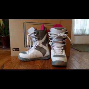 Barely used Burton snowboard boots