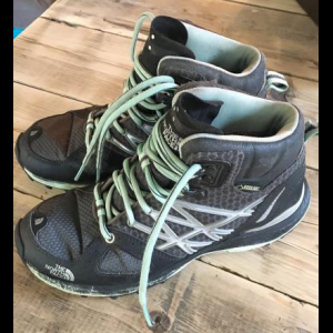 North Face Goretex Ultra Fastpack Mid GTX hiking boots