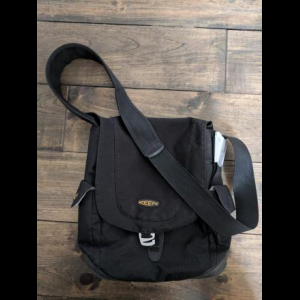 Keen Small Messenger Bag