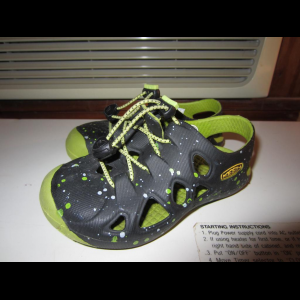 Keen Rio Sandals Little Boys Size 7 Green and Yellow