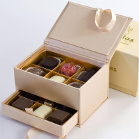Leonidas Jewelry Box - Beige - 1 box - 12 pieces